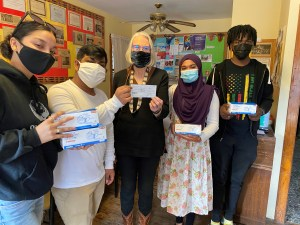 Hudson Interact Club high school students donate to Recovery Kitchen