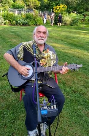 Jody Rael, on the guitar (photo by Rachel Weisman)